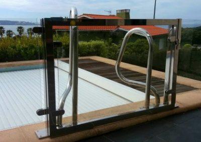 Puerta corredera de piscina