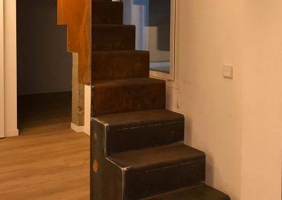 escalera de acero corten